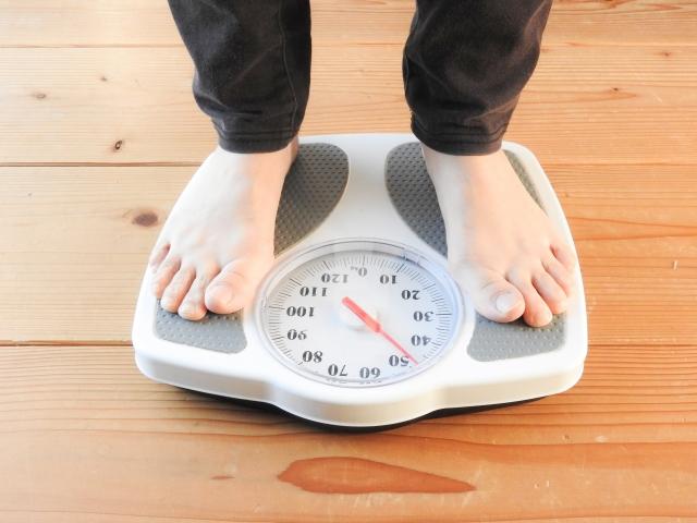 体重をはかること