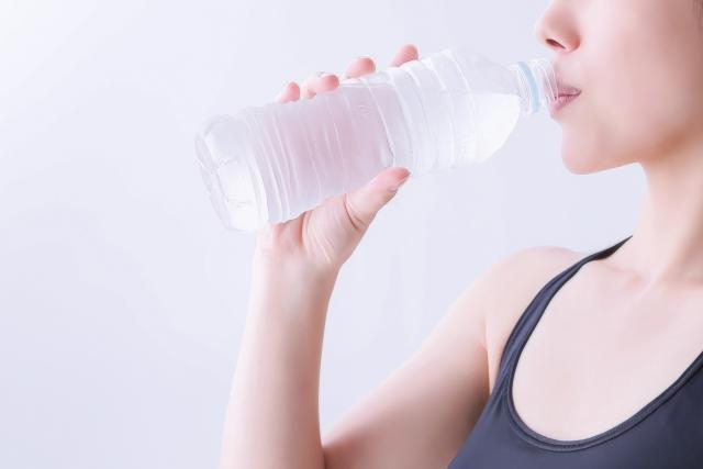 水を飲む!